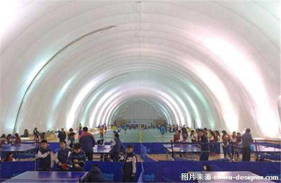 北京一学校建抵抗膜体育馆污染雾霾充气对抗教学特技轮滑图片