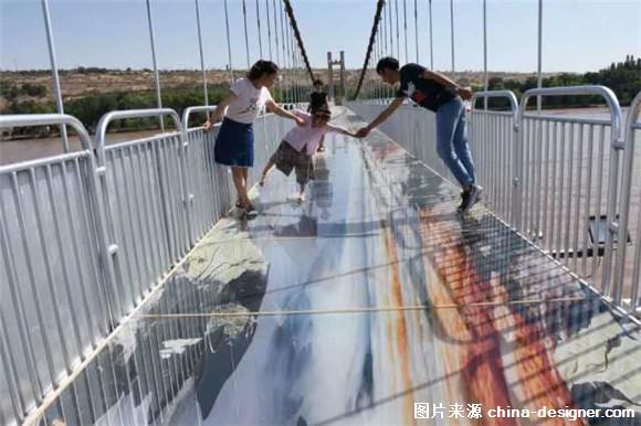 7月31日,国内,也是宁夏首座黄河3d玻璃桥在中卫市沙坡头景区正式