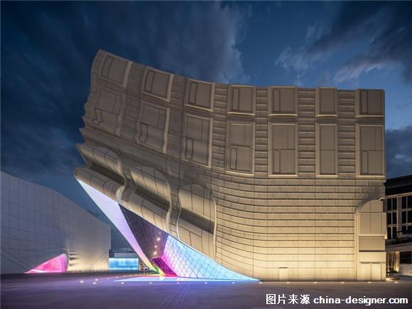 韩国首尔一座无窗户的建筑百乐达斯娱乐广场